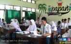 Peringatan untuk Emak - Emak : Uang Bantuan Pendidikan Bukan untuk Shopping Loh Ya.. - JPNN.COM