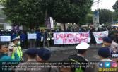 Demo Mahasiswa di Dekat Lokasi Debat Capres, Ini Tuntutannya - JPNN.COM