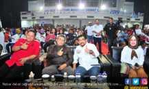Ribuan Pendukung Jokowi Padati Nobar Debat Capres TKD Jatim