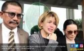 Sedih, Nikita Mirzani Mewek Teringat Perlakuan Suami - JPNN.COM
