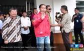 Pak Jokowi: Charlie Chaplin Juga Turun di Sini, Dua Kali - JPNN.COM