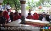 Pimpin Safari PDIP, Hasto Ziarahi Makam Pangeran Jayakarta - JPNN.COM