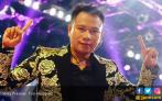 Gandeng Pacar Baru, Vicky Prasetyo Ungkap Penyebab Dirinya Cerai dengan Angel Lelga - JPNN.COM