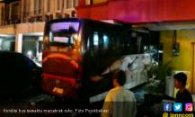 Bus Jemputan Karyawan Seruduk Ruko di Kalimalang, 1 Luka-luka
