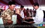 Ini Alasan Jokowi Mempercepat Pembagian 5 Ribu Sertifikat Tanah - JPNN.COM