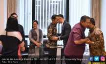 Jokowi dan Keluarga Jenguk Bu Ani di Singapura