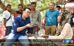 Cerita Menpora dan Buah Pinang Nenek Aisun di Pulau Terbelah Dodola - JPNN.COM