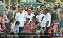 Anak-anak Sentani Jayapura: Pak Jokowi Perbaiki Sekolah Kami