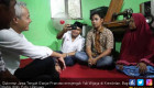 Ganjar Pranowo Jenguk Korban Pengeroyokan Pendukung Prabowo