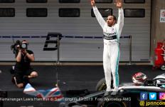 Hamilton Catat Kemenangan Mutlak di Laga F1 ke-1000 - JPNN.com