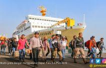 Ratusan Ribu Orang Mudik Gunakan Kapal Laut - JPNN.com