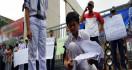 Bakar Ijazah, Pelajar Demo Menolak Sistem Zonasi - JPNN.com