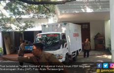 Prabowo Pulang, Truk Logistic Gerindra Masuk Rumah Mega - JPNN.com