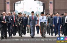 Di Depan Jokowi, Mahathir Tegaskan Siap Melawan Uni Eropa - JPNN.com
