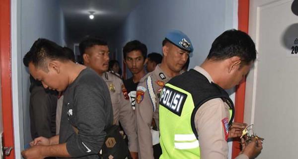 Lagi Asyik Berduaan di Kamar Penginapan Digedor Polisi, Ya Gitu Deh... - JPNN.com