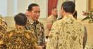 Perpisahan dengan Menteri, Jokowi Minta Maaf Sering Telepon Tengah Malam - JPNN.com