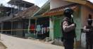 Densus 88 Kembali Geledah Rumah Terduga Teroris Jaringan JAD Cirebon - JPNN.com