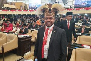 Catatan dan Harapan Senator Papua Barat kepada Presiden Jokowi - JPNN.com