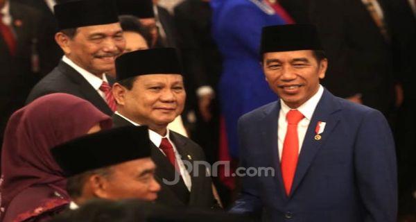 Jokowi Pimpin Upacara di TMP Kalibata, Prabowo Ikut Peringatan di Yogyakarta - JPNN.COM
