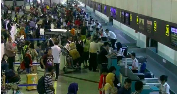 Sriwijaya Air Sempat Batalkan Penerbangan di Bandara Juanda - JPNN.COM