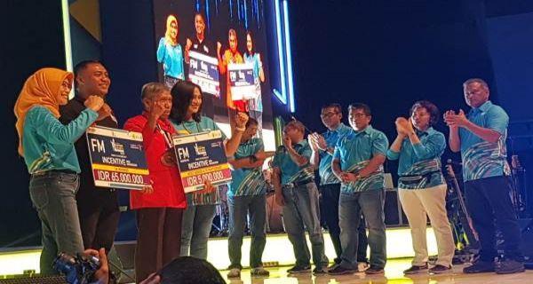 PLN Beri Insentif kepada 50 Pemenang Electric Jakarta Marathon 2019 - JPNN.COM