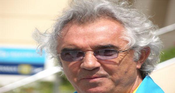 Mantan Bos F1 Memacari Mahasiswi Cantik, Beda Usia 49 Tahun - JPNN.COM