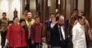 Jokowi dan Surya Paloh Tampak Akrab, Megawati Bersenda Gurau dengan JK - JPNN.com