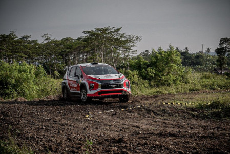 Rifat Sungkar Beberkan Rahasia Xpander AP4 Juara di Sprint Rally Banten - JPNN.COM