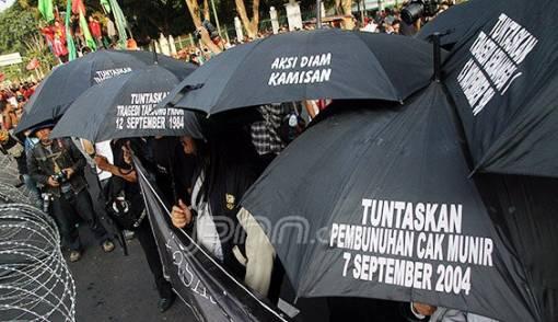 Ikut Aksi Kamisan, Glenn Cs Tuntut Penuntasan Kasus HAM - JPNN.COM
