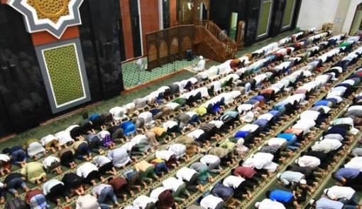DPRD DKI Dorong Operasional Masjid Ditanggung APBD - JPNN.COM
