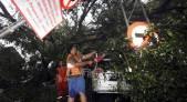 Ruang Kelas Ditimpa Pohon Tumbang, Murid SD Pindah Belajar ke Pustaka - JPNN.COM