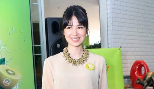Laura Basuki Larang Anak Nonton Film - JPNN.COM