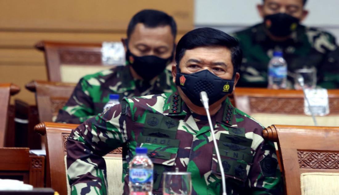 Panglima TNI Marsekal Hadi Tjahjanto mengikuti rapat kerja dengan Komisi I DPR, Jakarta, Rabu (1/9). Foto: Ricardo - JPNN.com