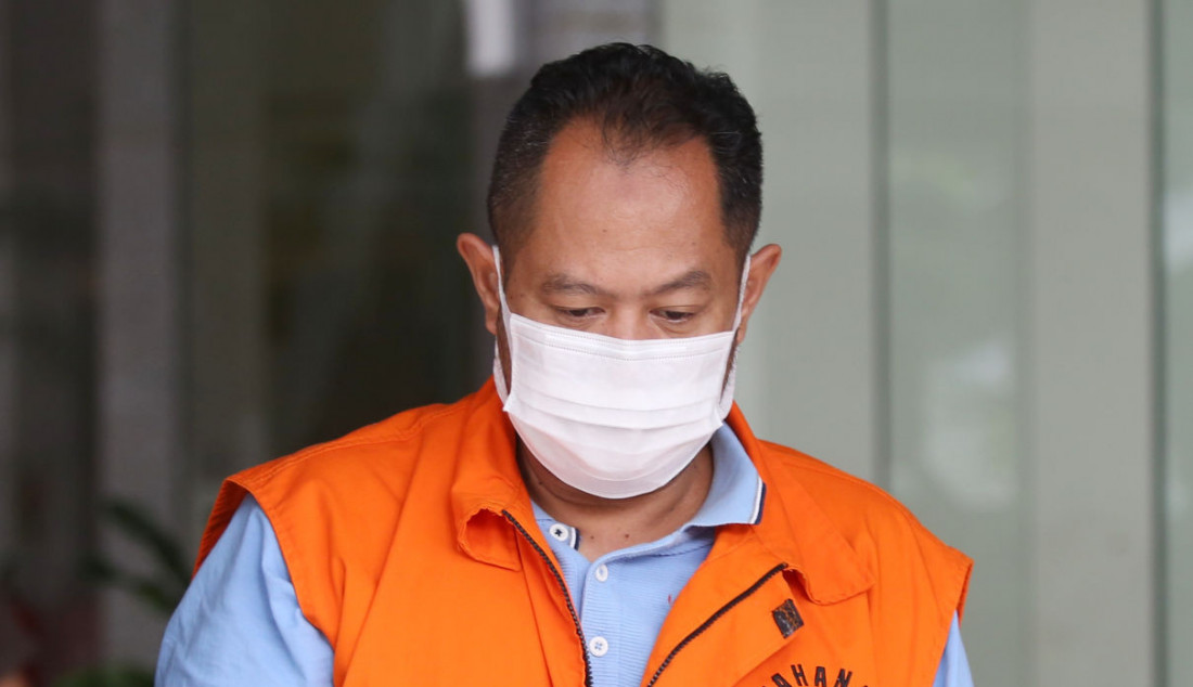 Direktur PT Adonara Propertindo Tommy Adrian usai menjalani pemeriksaan di gedung KPK, Jakarta, Rabu (15/9). Foto: Ricardo - JPNN.com