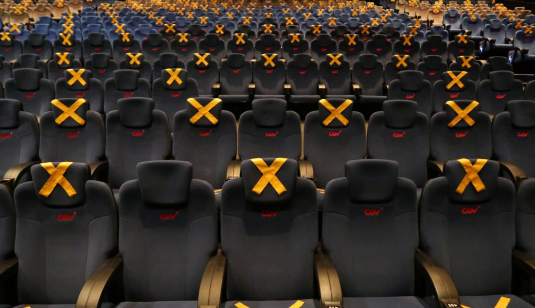 Suasana bioskop CGV, Grand Indonesia, Jakarta, Kamis (16/9). Sejumlah bioskop di Jakarta mulai beroperasi kembali di masa PPKM level 3 dengan penerapan protokol kesehatan yang ketat. Foto: Ricardo - JPNN.com