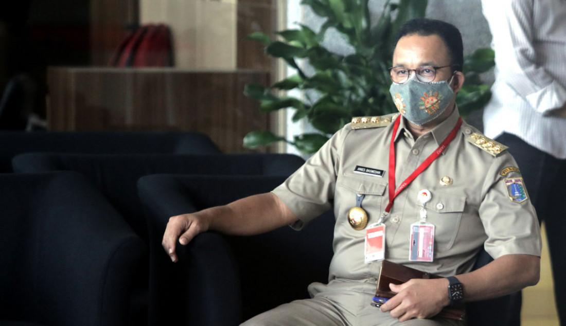 Gubernur DKI Jakarta Anies Baswedan saat berada di lobi gedung KPK, Jakarta, (21/9). Foto: Ricardo - JPNN.com