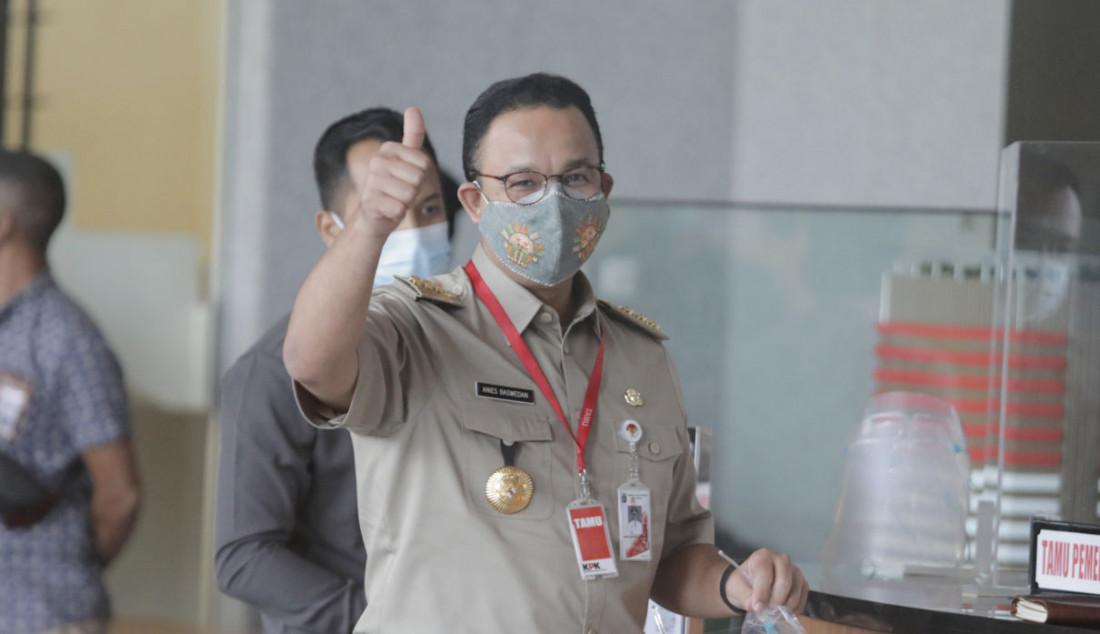 Gubernur DKI Jakarta Anies Baswedan saat tiba di gedung KPK, Jakarta, (21/9). Anies diperiksa sebagai saksi dalam kasus tindak pidana korupsi pengadaan lahan di Munjul, Cipayung, Jakarta Timur. Foto: Ricardo - JPNN.com