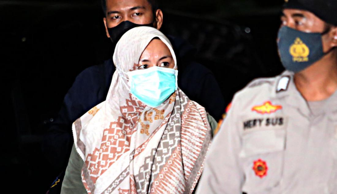 Bupati Kolaka Timur (Koltim) Andi Merya saat berada di Gedung KPK, Jakarta, Rabu (22/9). Andi terjaring operasi tangkap tangan (OTT) KPK terkait dugaan melakukan transaksi haram berkaitan dengan dana bantuan dari BNPB. Foto: Ricardo - JPNN.com