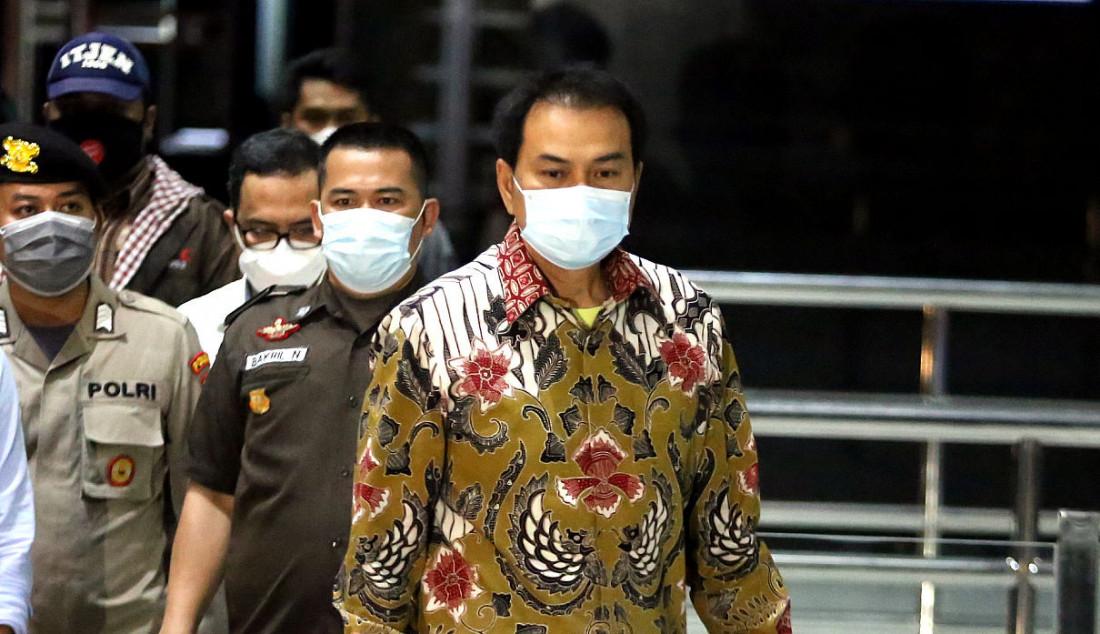 Wakil Ketua DPR RI Azis Syamsuddin tiba di Gedung KPK, Jakarta, Jumat (24/9). Foto: Ricardo - JPNN.com