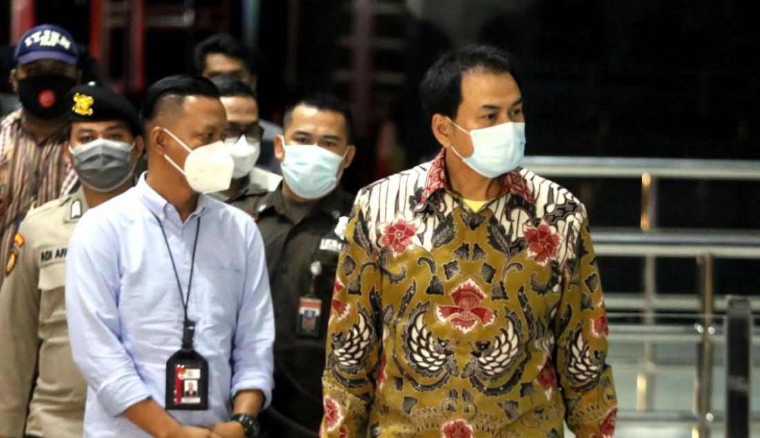 Wakil Ketua DPR RI Azis Syamsuddin saat di Gedung KPK, Jakarta, Jumat (24/9). Azis menjalani pemeriksaan pertama sebagai tersangka terkait kasus dugaan suap penanganan perkara di Kabupaten Lampung Tengah. Foto: Ricardo - JPNN.com