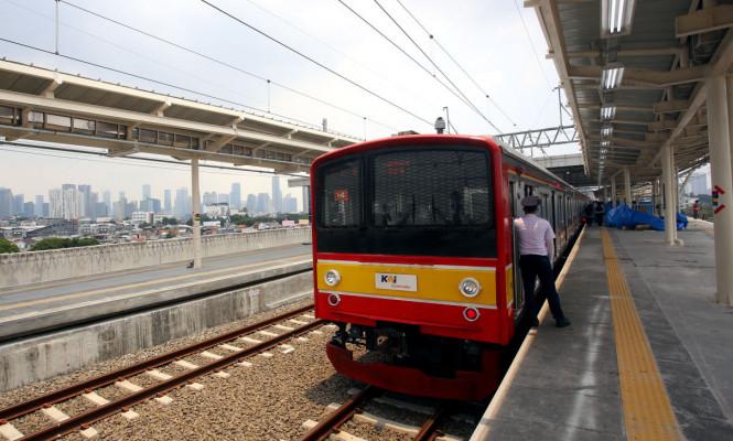 Jalur Layang Stasiun Manggarai Beroperasi
