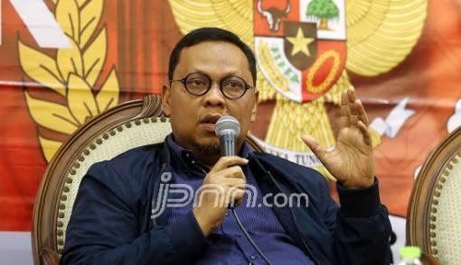 Andalkan Buzzer Medsos, Wajar Prabowo Serang Pers - JPNN.COM