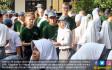 Puluhan Pelajar Belanda Belajar Membatik - JPNN.COM