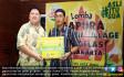 Teh Gelas Serahkan Hadiah Pemenang Lomba Gapura Hias - JPNN.COM