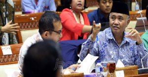 Bahas Kasus, KPK-Komisi III Gelar Rapat Tertutup 50 Menit - JPNN.COM