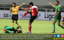 Laga PS TNI VS Madura United Berjalan Panas - JPNN.COM