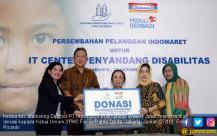 Indomart Serahkan Donasi Ke YPAC - JPNN.COM