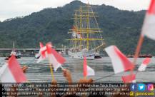 Berangkat dari Spanyol, KRI Bima Suci Tiba di Teluk Bayur - JPNN.COM