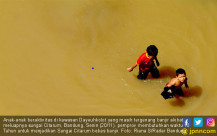 Citarum Meluap, Kawasan Dayeuhkolot Tenggelam - JPNN.COM