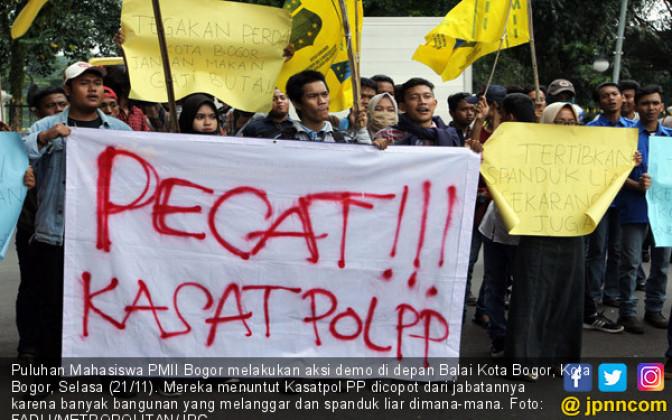 Kasatpol PP Kota Bogor Didemo Mahasiswa - JPNN.COM